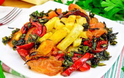 Przepis na zupę z cukinii i wegańskie leczo – idealny zestaw na lato