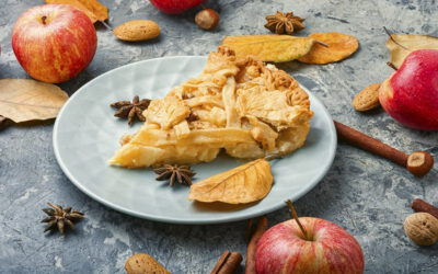 Szarlotka z budyniem – prosty przepis na pyszny deser z jabłek